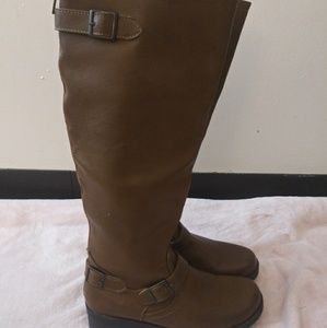 Calf high brown boots